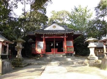 11三股町  御年神社 ご社殿1.JPG