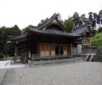 16都農町 都農神社 ご社殿全景1.JPG