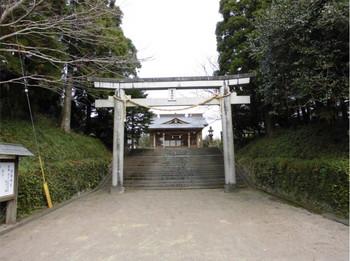 1串間市 串間神社 南側入り口鳥居.JPG