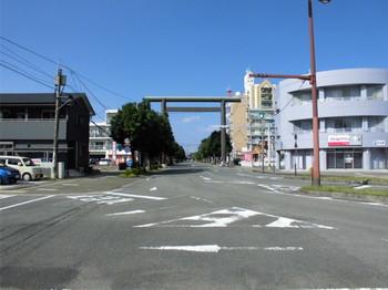 1宮崎市 宮崎神宮 一の鳥居 南側.JPG