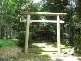 えびの市 弊田神社2.PNG
