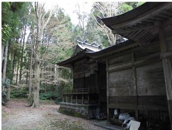 三股町 御崎神社 ご本殿2.JPG