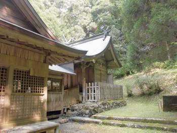 五ヶ瀬町12 古戸野神社 ご本殿2.jpg