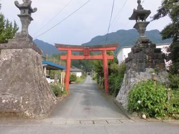五ヶ瀬町1 祇園神社 一の鳥居.jpg