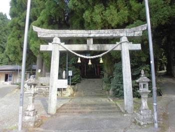 五ヶ瀬町1 祇園神社 入り口鳥居.jpg