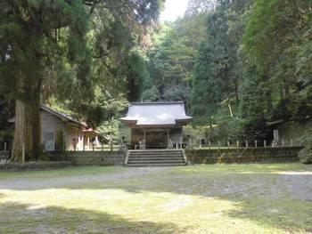 五ヶ瀬町6 古戸野神社 ご社殿2.jpg