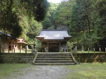 五ヶ瀬町7 古戸野神社 ご社殿3.jpg