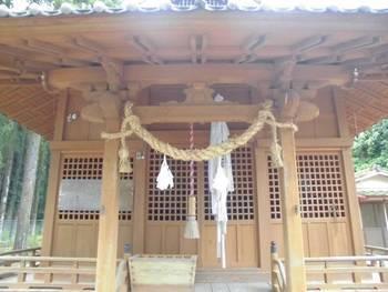 南郷町7 潟上神社(かたがみじんじゃ)ご拝殿.jpg