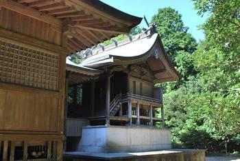 宮崎市12 江田神社 ご本殿.jpg