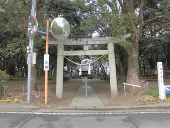 宮崎市佐土原町1 下田島神社 正面鳥居.jpg