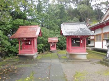 小林市11 稲荷神社(いなりじんじゃ)境内神社三社.jpg