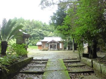 小林市3 岩戸神社 正面ご社殿.jpg