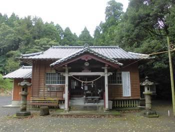 小林市5 岩戸神社 正面ご社殿3.jpg
