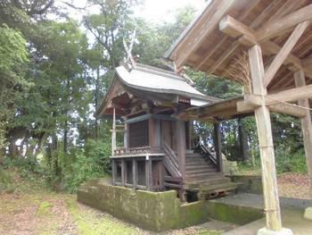 川南町5 上名貫神社 ご本殿2.jpg