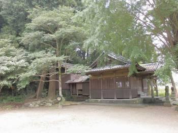 延岡市10 三須神社 社殿全景.jpg