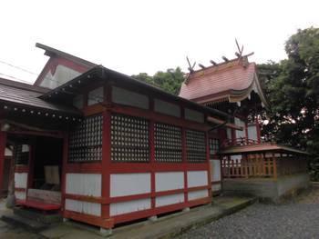 延岡市13 小山神社 社殿横.jpg