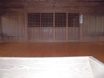 延岡市6 三須神社 お社内.jpg
