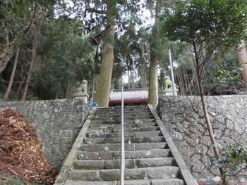 延岡市櫛津町3 櫛津神社 参道階段.jpg
