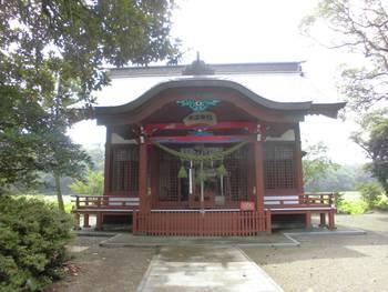 新富町7 水沼神社 正面ご社殿2.jpg