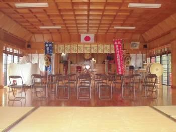 日南市 霧島神社 お社内.jpg
