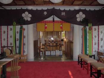 日向市11 幸福神社 お社内.jpg