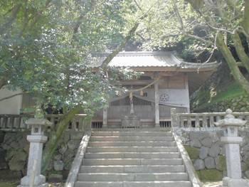 日向市5 鉾島神社 正面ご社殿2.jpg