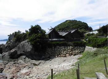 日向市    大御神社 亀の親石2.JPG