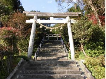 日向市 八幡・智古神社 参道階段2.JPG