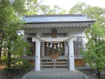日向市 幸福神社 正面ご社殿.jpg