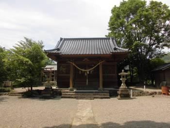 日向市 栗尾神社 正面ご社殿3.jpg