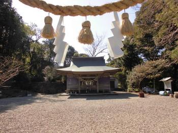 日向市平岩 愛宕神社 正面ご社殿2.JPG