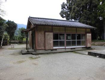 東郷町11   坪谷神社 社務所.jpg