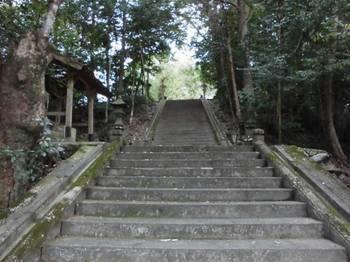 東郷町4   坪谷神社 入口参道.jpg