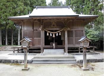東郷町7   坪谷神社 ご社殿3.jpg