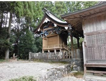 東郷町9   坪谷神社 ご本殿3.jpg