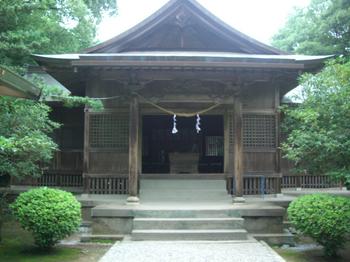 江田神社拝殿前1.JPG