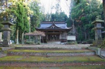 三股町 御崎神社 ご社殿2.PNG