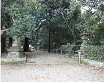 綾町   綾神社 入口.JPG