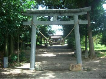羽黒神社正面鳥居2.JPG