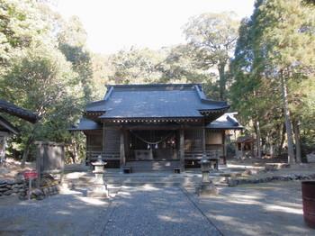西米良村 村所八幡神社 正面ご社殿.JPG