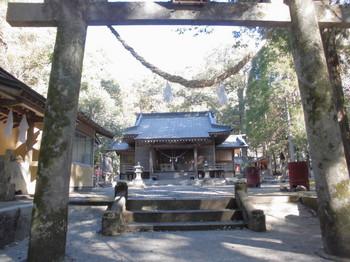 西米良村 村所八幡神社 正面鳥居.JPG