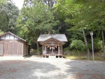諸塚村4 諸塚神社 正面ご社殿2.jpg