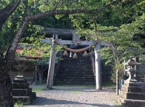 諸塚神社鳥居.PNG