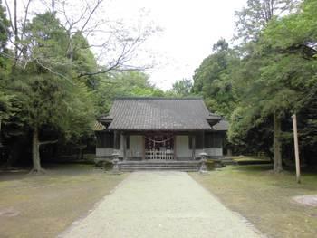 都城市7 挟野神社 正面ご社殿.jpg