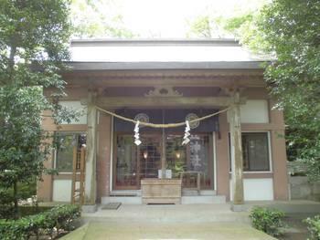 都城市 旭丘神社(ひのおじんじゃ)ご社殿.jpg