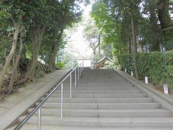 都城市 旭丘神社(ひのおじんじゃ)階段参道.jpg