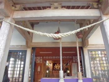 都城市横市町 母智丘神社ご拝殿.JPG
