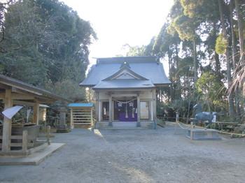 都城市横市町 母智丘神社ご社殿2.JPG