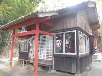 都城市高城町 春日神社 ご社殿2.JPG