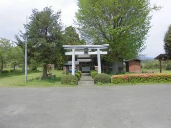都農町1 三日月神社 正面鳥居.jpg